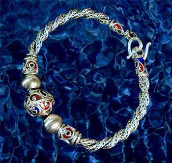 Twisted Tryst Bracelet